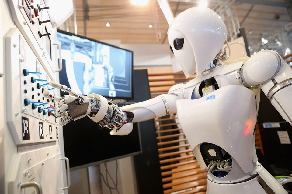 OpenAI發表新演算法,讓機器人像人類般透過模仿學習新技能